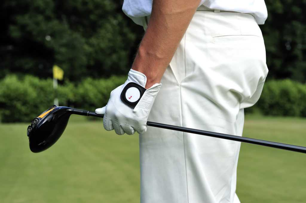 The Reason Why Pro Golfers Take Their Gloves Off After Every Shot